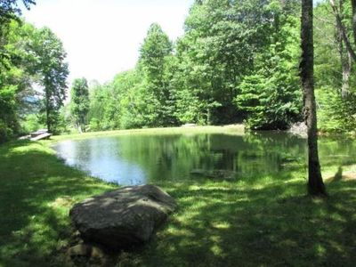 Ponds, creek, mountain view, large yard, minutes from Nantahala Lake and Gorge