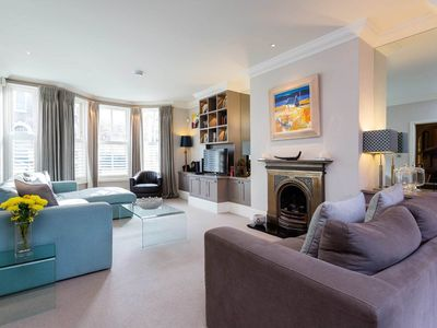 Photo for Spacious 5 bed family home. Reach the Victoria Line in 15 mins (Veeve)