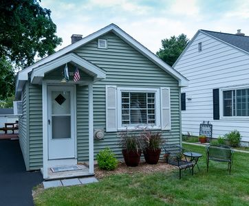 Cute and Cozy home located in the heart of Ludington, near Lake Michigan!