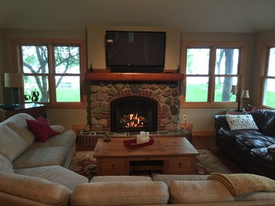 Beautiful Lake Cabin!Premier Ice Fishing! Close to Stillwater and Scandia!
