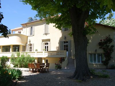Photo for Gîte with attached guestroom in stately art-deco villa with pool and park