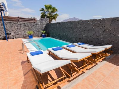Photo for Playa Blanca Holiday Home, Sleeps 6 with Pool, Air Con and Free WiFi