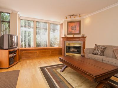 FAMILY SIZE Garden Terrance Condo, Updated and located in BEAUTIFUL Blueberry Hills