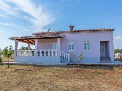 Photo for Newly renovated holiday home for sole use with 2 bedrooms, 2 bathrooms, washing machine, air conditioning, WiFi, terrace and barbecue