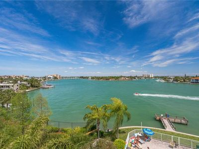 Photo for The Palms of Treasure Island 310, 2 Bedrooms, Bay Front, Pool, WiFi, Jetted Tub, Sleeps 6