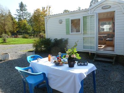 Photo for Cozy mobil home with an oven in the heart of Burgundy
