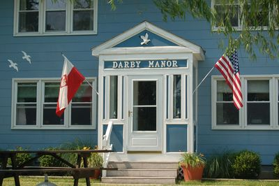 Darby Manor - Front view of building
