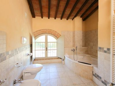 Photo for Apartment La Corte in Colle Val d'Elsa - 8 persons, 3 bedrooms