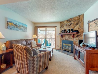 Photo for Charming condo w/ a cozy fireplace plus shared pool & hot tubs - walk to lifts!