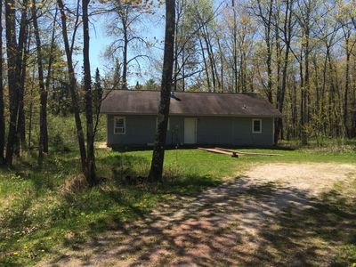 Photo for 2 Bedroom 2 Bath Cottage Neslted in the Woods