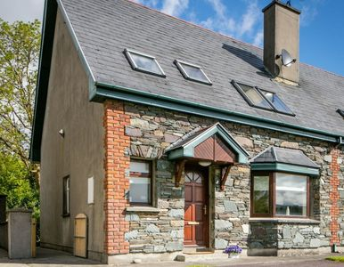 Photo for Charming cottage in Kenmare town steps from shops, pubs & restaurants