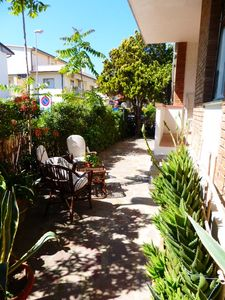 Photo for House with garden in Castiglione della Pescaia, just 50 meters from the sea ..!