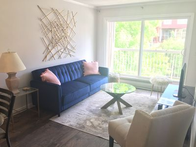 Photo for Sunny and perfectly located Mission apartment