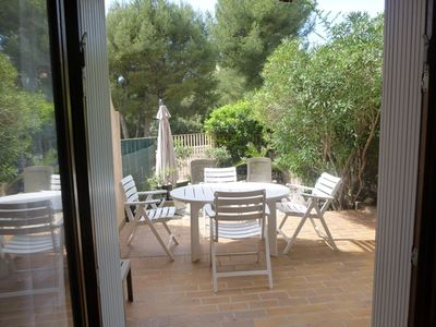 Photo for Appt 38m2 BANDOL - 4/6 pers with garden, everything on foot, near beach, quiet
