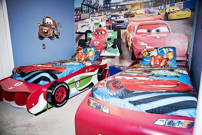 Lightning McQueen and Francesco Bernoulli race to see who can sleep the fastest