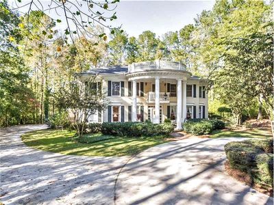 Photo for Sweet Elegant Lake Front 3 Acre  Southern Plantation     Extensively  SANITIZED