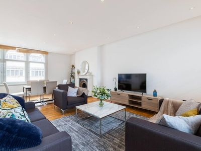 Photo for Chic & Lovely 2BR Flat By Marylebone - Oxford St