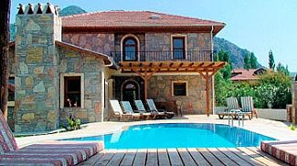 Photo for Dalyan Kaya With Private Pool And Tropical Gardens
