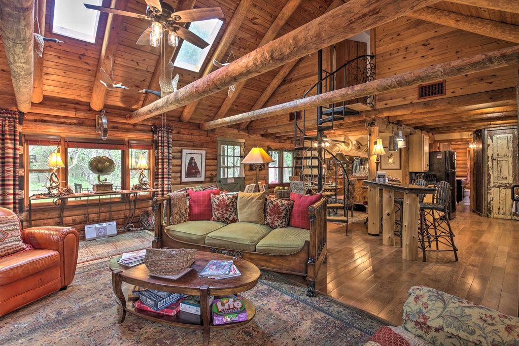 A luxury Texas cabin rental