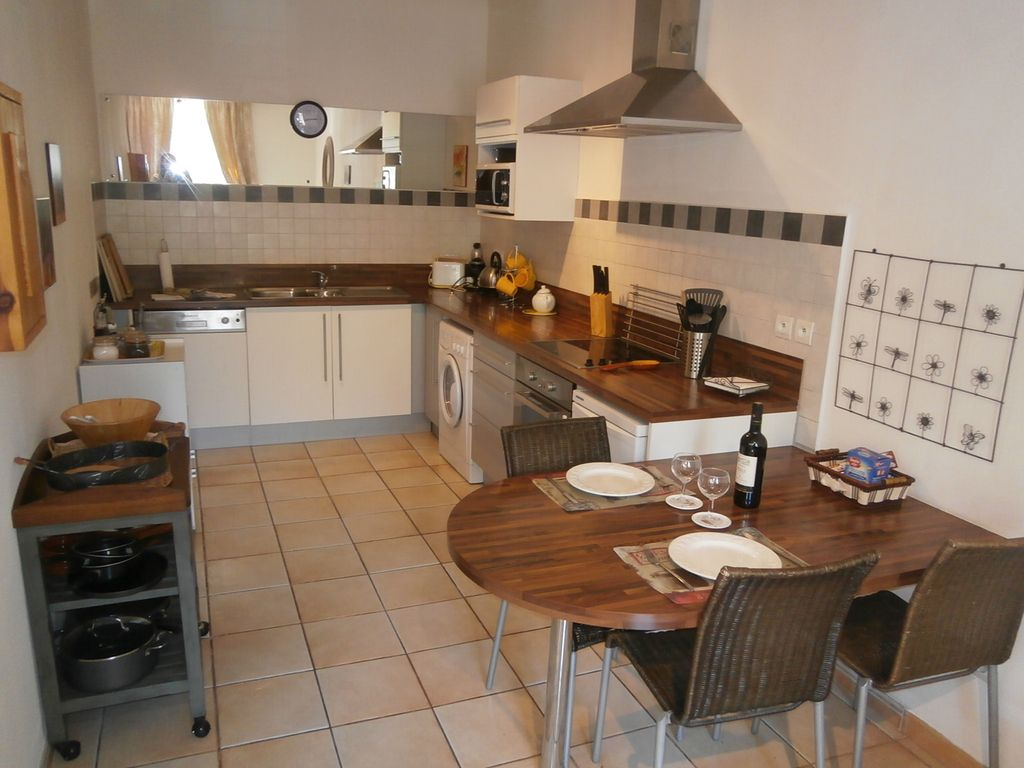 Property Image#3 Romantic Get Away On The Square In Saint Chinian With  Fantastic