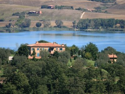 Photo for Farmhouse Gli Ulivi, wonderful farm with view on Lake of Chiusi - apartment Tramonto
