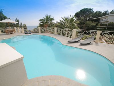 Photo for 5BR Villa Vacation Rental in Roquebrune-Sur-Argens, Provence-Alpes-Côte-D'Azur