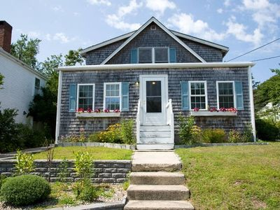 Cape Cod charm! One mile to Craigville Beach, walking distance to town