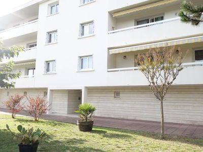 Photo for 3 bedroom Apartment, sleeps 6 in Royan with WiFi