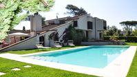 Nice home - and with a rare forte feature, a pool.