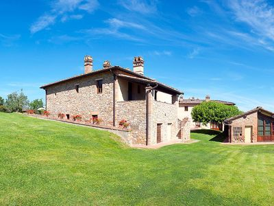 Photo for Apartment in San Gimignano with Parking, Internet, Air conditioning, Pool (126105)