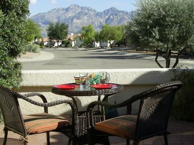 Enjoy dramatic views of the Catalina Mountains from the private front courtyard.