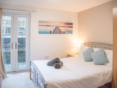 Photo for 38 Burrell Road - Room 3 En-suite - sleeps 2 guests  in 1 bedroom