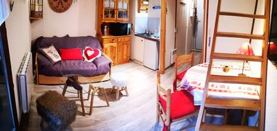 Photo for Charming Savoyard furnished studio 500m from the slopes