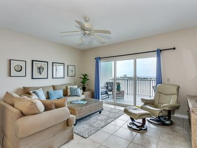 Photo for 2 bed/2 bath, huge balcony, water views, restaurants, shopping, and more!