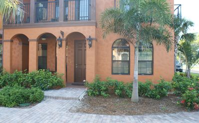 This is the front entryway with a Lanai!! Handicap access ramp too