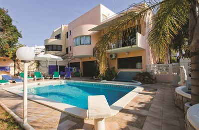 Photo for Villa Ana Cari - 5 Bedroom Villa with pool in Vilamoura very near to the Marina.