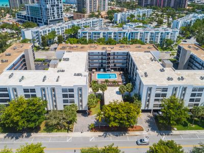 Photo for Beautiful 1 Bedroom Apt in the heart of Sunny Isles