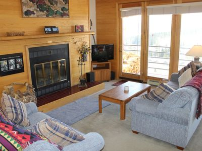 Photo for Cozy Condo with wifi, mountain views, clubhouse access, and parking