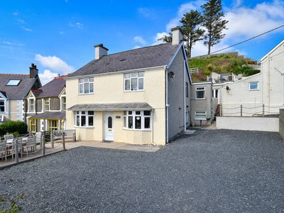 Photo for Desirably located at the entrance to Abersoch, a stone's throw from the harbour beach and a short wa