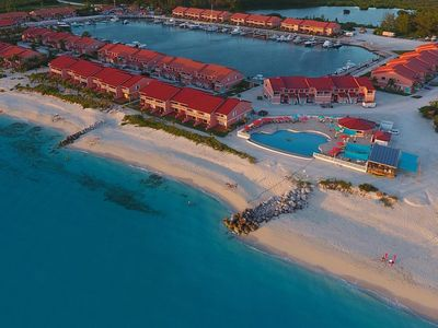 2 Bedroom, 3 full baths direct ocean front, 1400 s.f., located in Bimini Sands