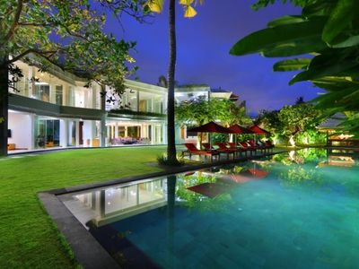 Photo for Luxury and modern new villa in Canggu
