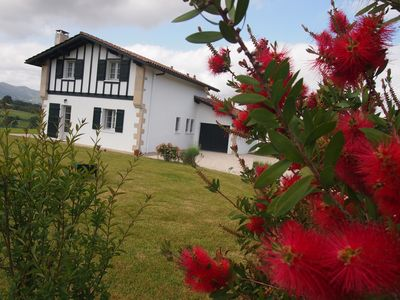 Photo for Detached house for rent between sea and mountains on 1500m2 closed