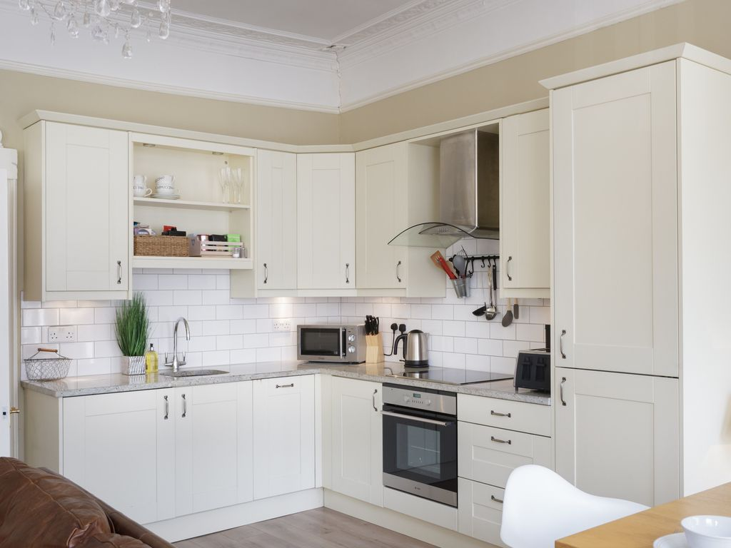 Portland Place: Portland Place a Beautiful Regency Apartment With ...