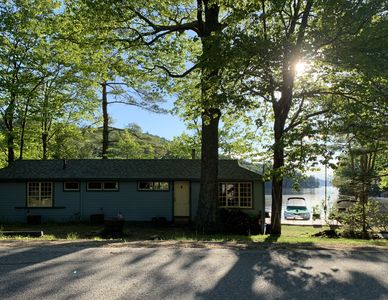 200 ft of Winnipesaukee Shore with Gorgeous Sunsets in Scenic Roberts Cove
