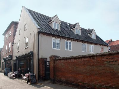 Photo for Stylish Ground Floor Apartment, sleeping 2,  in the heart of Wells next the Sea