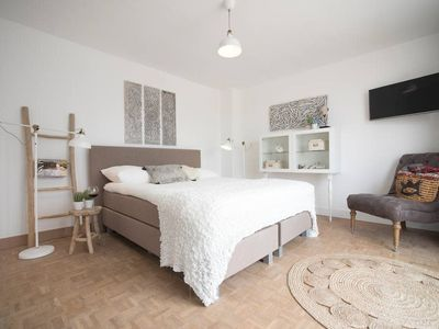 Photo for Trendy's Sea View room (sleeps 2 persons)