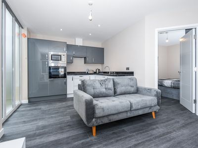 Photo for Lovely 2 bedroom apartment close to Heathrow