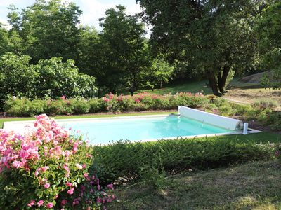 Photo for Haven of peace in the heart of the Périgord Noir. Character house with swimming pool.