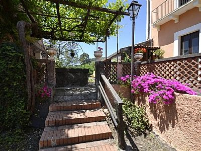 Photo for 2 bedroom Villa, sleeps 6 with Walk to Shops