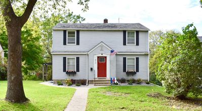 ★ Charming Full Duplex ★ Great for Groups! ★ 4BR, 2BA